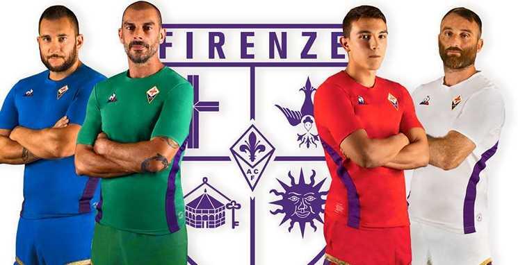 A camisa da Fiorentina 2018-2019 com o calcio storico