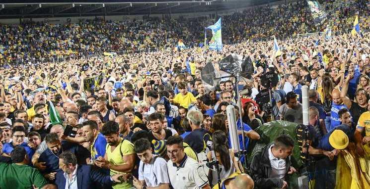 Frosinone na Serie A invasão de campoa