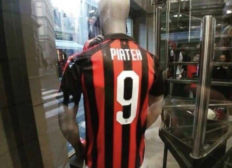 Camisa Piatek no Milan