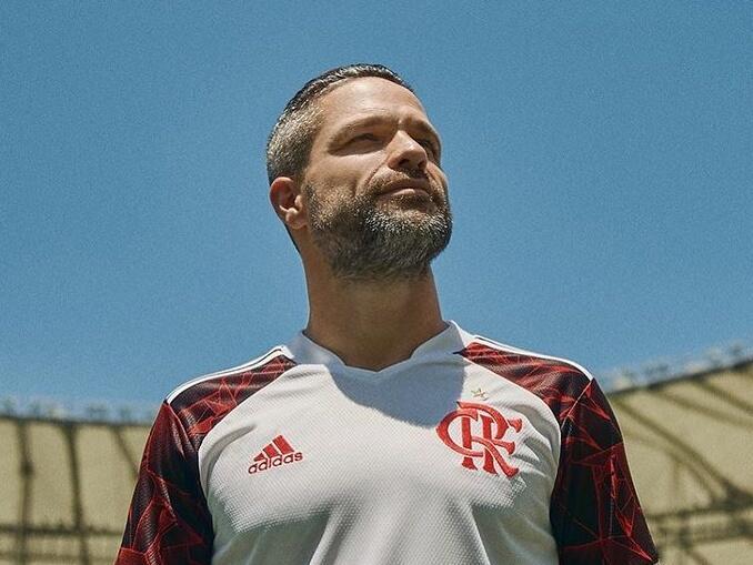 jogadores brasileiros campeonato italiano - diego ribas