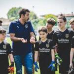 Perto do Parma, Buffon lança o Buffon Academy, escola de futebol para goleiros
