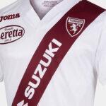 Torino homenageia e celebra amizade com River Plate em camisa 2021-2022